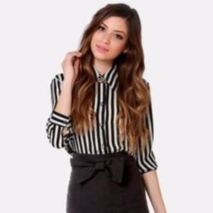 Lulu's Bow-ed and the Beautiful Black Pencil Skirt